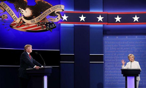 Trump und Clinton beim letzten TV-Duell