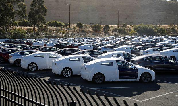 Tesla: Erstes Opfer im Handelskrieg? Drastische Preiserhöhung in China