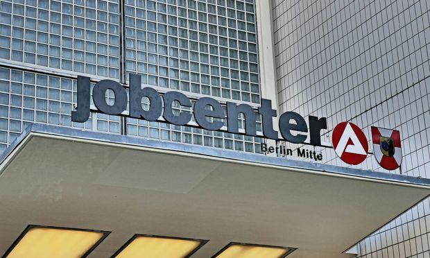 Berlin Mitte Wedding Jobcenter in der M�llerstra�e Arbeitsamt Jobcenter