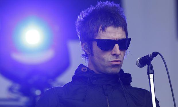 Liam Gallagher mit seiner Band Beady Eye bei einem Konzert im Juni 2013
