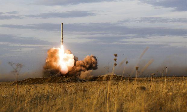 Start eines 9M729-Marschflugkörpers (System Iskander-K) anno 2015 bei einem Manöver.