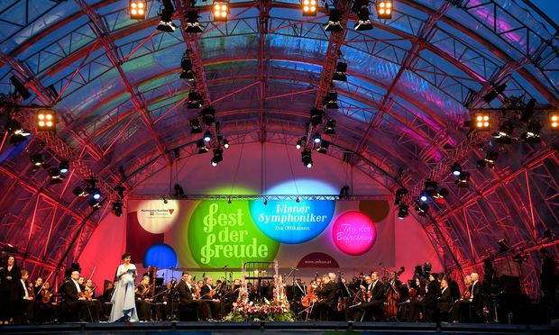 Konzert der Symphoniker am Heldenplatz