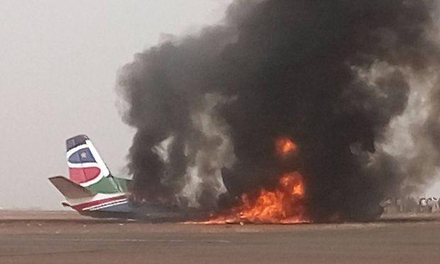 Der Flieger der South Supreme Airlines legte eine Bruchlandung hin.