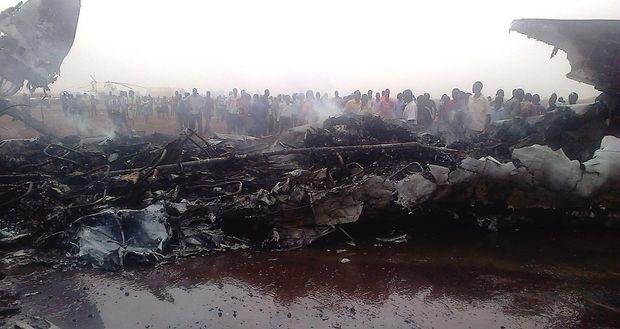 Dass alle Passagiere überlebten, gilt angesichts dieser Bilder als Wunder.