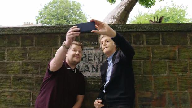 Leute: Paul McCartney führt James Corden durch Liverpool