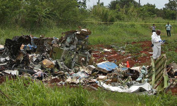 Das Flugzeug zerschellte auf einem Feld nahe der kubanischen Hauptstadt Havanna kurz nach dem Start.
