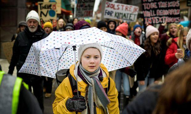 Die schwedische Klimaaktivistin Greta Thunberg lebt mit dem Asperger-Syndrom. In Interviews betont die 16-Jährige gern, dass erst die Entwicklungsstörung und die damit verbundene Fokussierung auf Themen ihren Kampf ermöglichen.