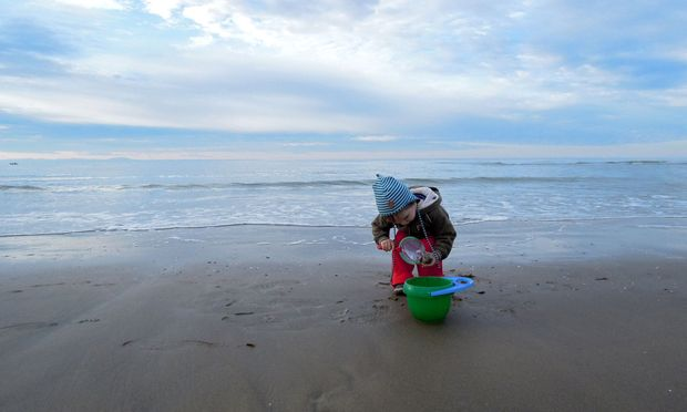 """Im Schnitt sind in einem Liter Meerwasser 35 Gramm Salz gelöst, das meiste davon ist """"richtiges"""" Kochsalz."""