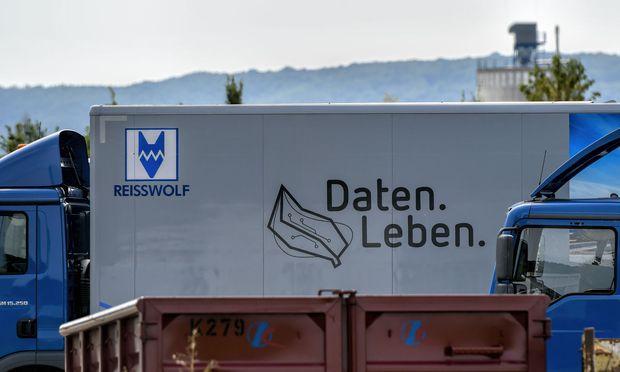 """Symbolbild: Bei der Firma """"Reisswolf"""" wurden Festplatten geschreddert."""
