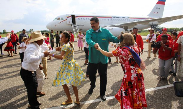 Präsident Nicolás Maduro herrscht über ein herabgewirtschaftetes Land im Würgegriff von Sicherheitsapparat und Parteimilizen.