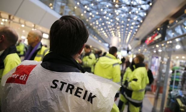 Erneut Warnstreiks an Berliner Flughäfen Tegel und Schönefeld