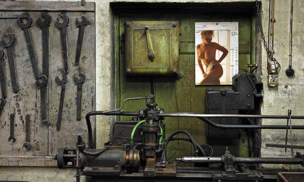 Nacktbildkalender sind in vielen Werkstätten noch gang und gäbe...