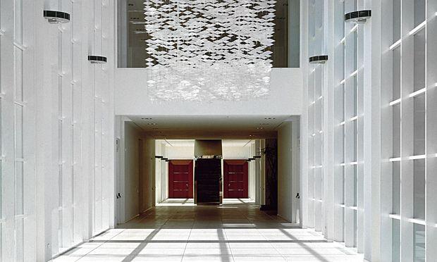 Kunstvoll. Im Hauptquartier von Tod's sind vielerorts Kunstwerke aus Diego Della Valles Sammlung zu sehen. Hier eine Installation von Jacob Hashimoto.
