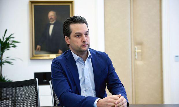 Mit Dominik Nepp musste die bisherige Nummer drei der FPÖ Wien über Nacht als neue Nummer eins einspringen.