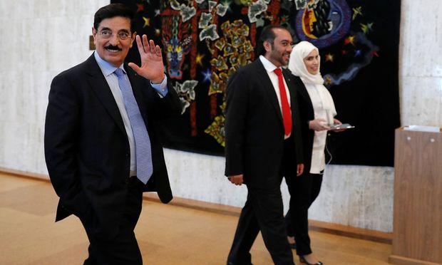 Katars Kandidat Hamad bin Abdulasis al-Kawari (links)