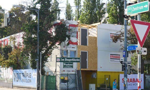 Lebkuchenhaus? Baucontainer. Schlachthausgasse 1.