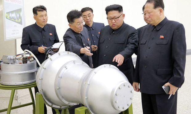 Diktator Kim Jong-un und die Bombe
