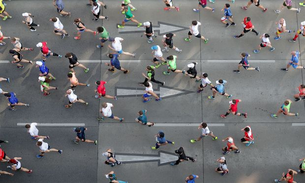 Über 40.000 laufen mit Ziel Burgtheater durch die Straßen Wiens.