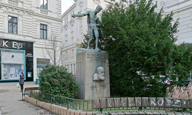 Taborstraße, Ecke Glockengasse: Julius-Ofner-Denkmal.
