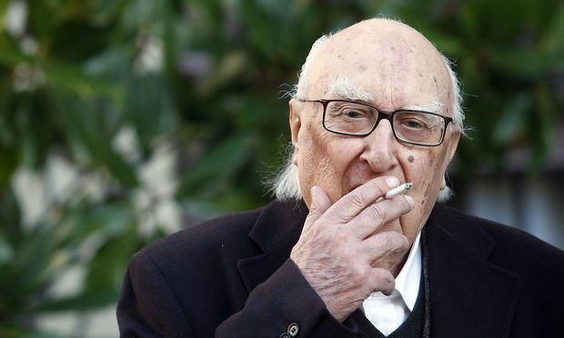 Erst mit über 70 Jahren machten Camilleri seine Romane im deutschsprachigen Raum bekannt.