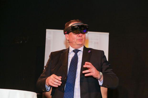 Die Microsoft HoloLens konnte im Rahmen des Events auch auspropiert werden.