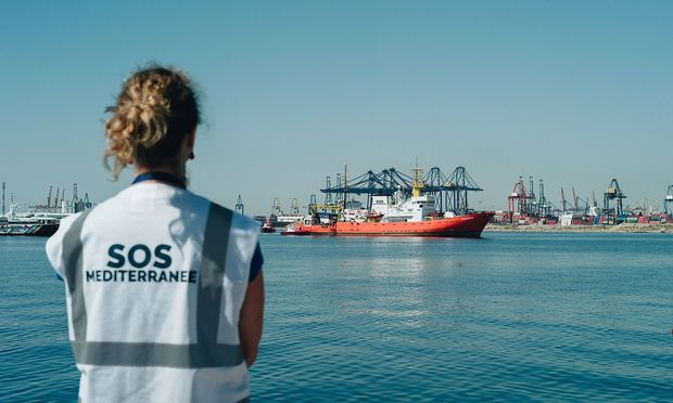 Welcoming the boat of SOSMED the Aquarius 17 06 2018 Spain Valencia Spain The boat Aqua