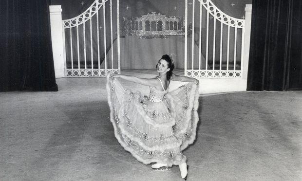 Wiener Eisrevue 1945