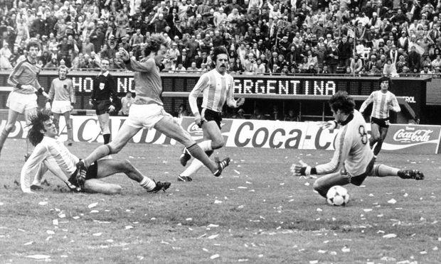 FUSSBALL - WM / RUECKBLICKE / 1978 : Finale ARGENTINIEN - NIEDERLANDE  3:1