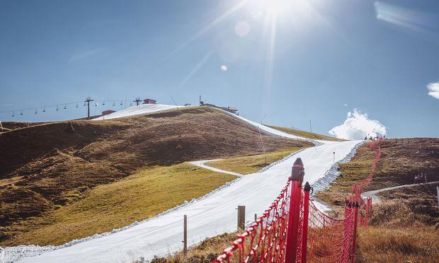 Saisonstart Oktober: Snowfarming (Resterkogel, Skigebiet Kitzbühel) macht's möglich.