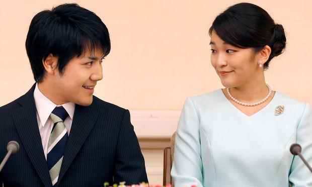 Kei Komuro und Prinzessin Mako wollen weiterhin heiratet. Aber erst 2020.