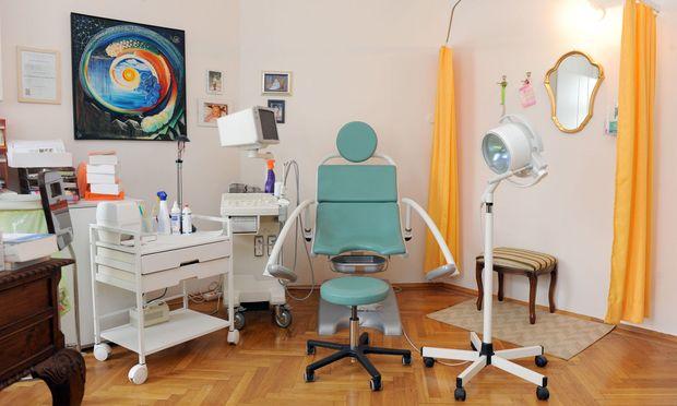 Regelmäßige Untersuchungen schützten Patientin nicht vor Krebserkrankung.