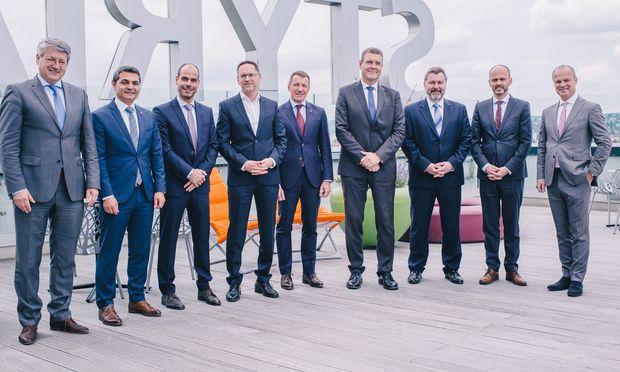 Kurt Kribitz (Styria), Enrico Caruso (Ferag), Christian Wilms und Alexander Marko (Styria), Jürg Möckli (Ferag), Alexander Wassermann und Markus Bader (Manroland), Christof Mann (Ferag), Markus Mair (Styria; v.l.n.r).