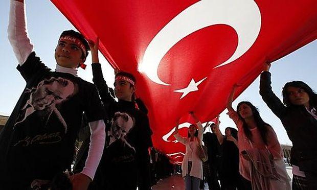 Umfrage: Türken wollen Beziehungen zu Israel einfrieren