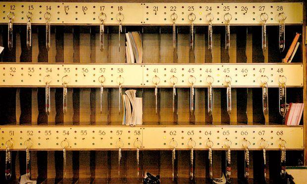 Sicherheit. Mit immer mehr Securitymaßnahmen muss die Hotellerie auf digitale Angriffe  reagieren. Ein Thema zumindest lässt sich traditionell lösen: mechanische Schlüssel für die Zimmer.