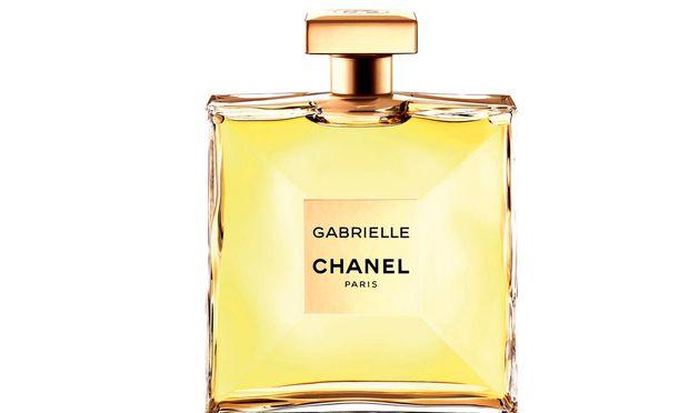 Traum in Weiß. Jasmin, Ylang-Ylang, Tuberose und Orangenblüte – so duftet Gabrielle, 100 ml Eau de Parfum um 137 Euro.