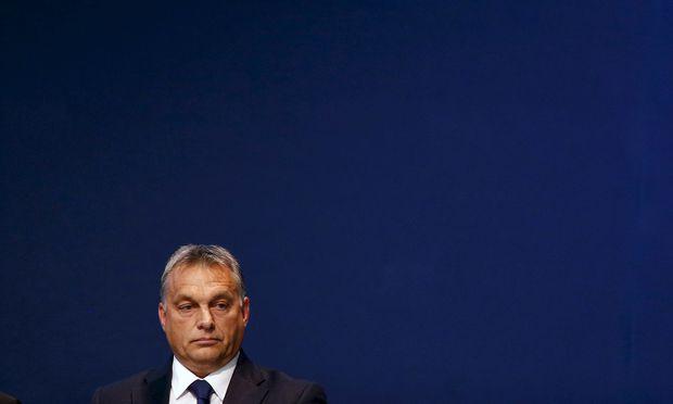 Ministerpräsident Orbán wird im Wahlkampf mit Korruptionsvorwürfen konfrontiert.