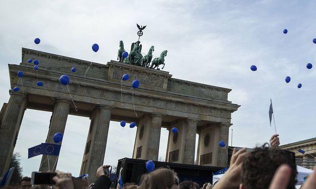 Archivbild: Das Brandenburger Tor am Rande einer Demo vergangene Woche