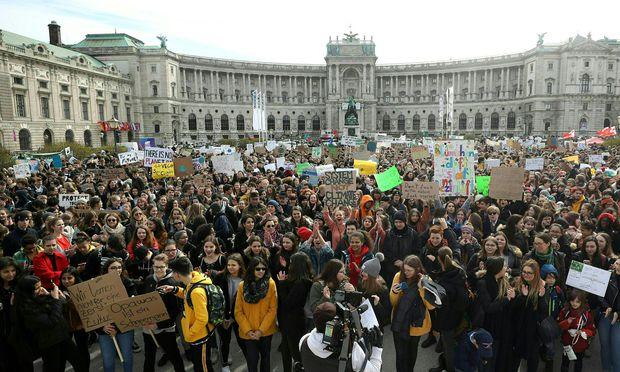 """Demo Freitag Wien Detail: Klima-Demo: """"Fehlstunden Verkraftet Man"""" « DiePresse.com"""