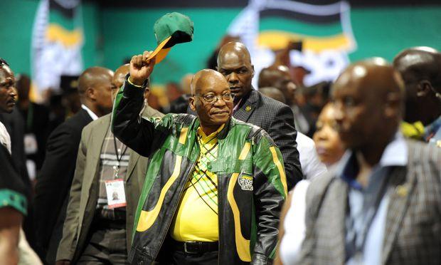 Jacob Zuma will noch nicht den Hut nehmen. Er versucht auch, sich gegen die drohende Strafverfolgung abzusichern.
