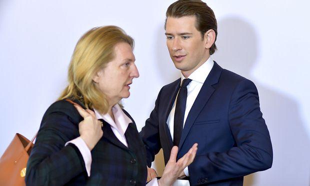 Kneissl verteidigte auf CNN österreichische Position