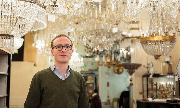 Der Herr der Luster: Johannes Rath ist bei Lobmeyr für die Leuchtkörper zuständig.