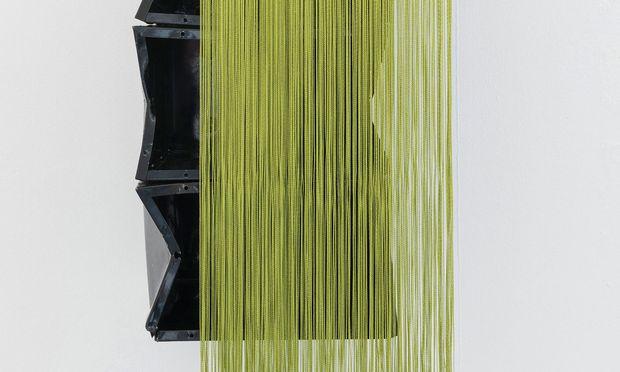 Im Fluss. Die Portugiesin Ana Santos entwickelt ihre Kunst aus dem Alltag heraus (Galerie Quadro Azul).