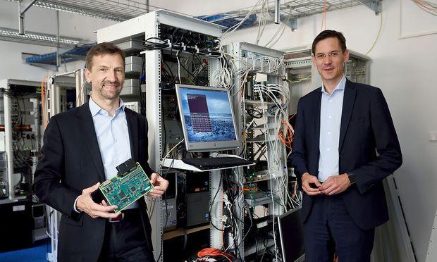 Die TTtech-Chefs Stefan Poledna und Georg Kopetz können sich über Samsung als neuen Partner freuen.