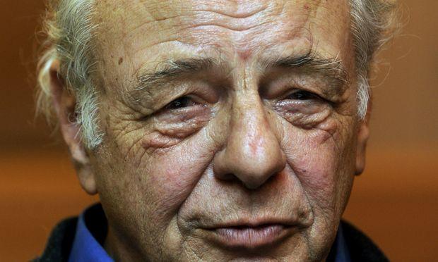 Heinz R. Unger wurde 1938 in Wien geboren, er war zunächst als Schriftsetzer, danach als Verlagshersteller, schließlich als Werbetexter und Journalist tätig.