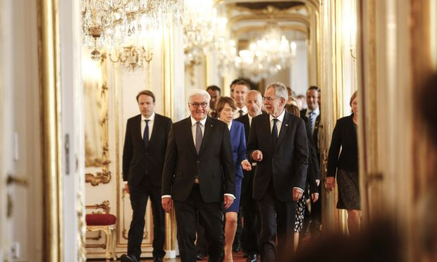 Präsidenten fast unter sich. Frank-Walter Steinmeier und Alexander van der Bellen.