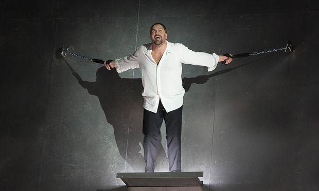 Christoph Wieschke als Prometheus.