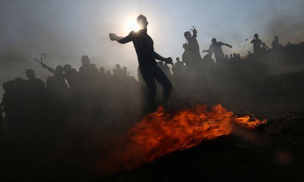 Themenbild: Proteste am Grenzzaun zwischen Israel und Gaza, im südlichen Gazastreifen.