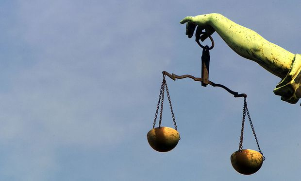 integrer Verteidiger Recht Moral