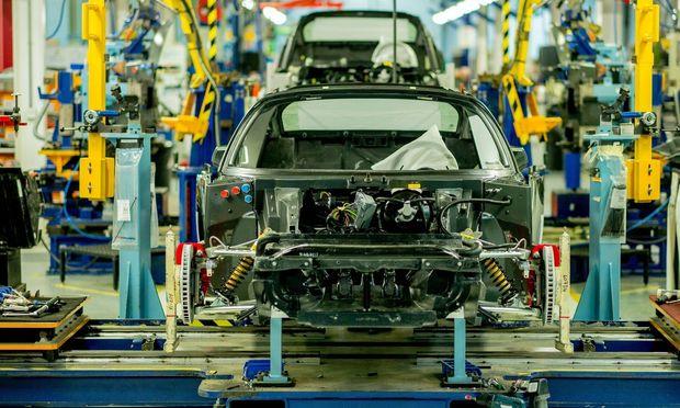 8000 Angestellte arbeiten in der Fabrik, 15 Prozent von ihnen sind weiblich.