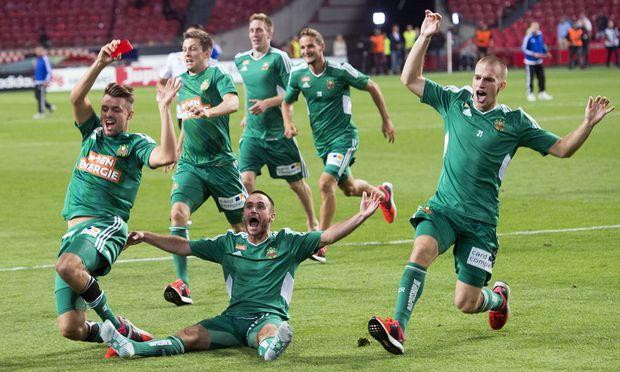 Jubel in Amsterdam: Rapid träumt nach dem Aufstieg gegen Ajax von der dritten Teilnahme an der Champions-League-Gruppenphase.
